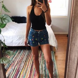 VTG neon floral mid high rise mom jean shorts